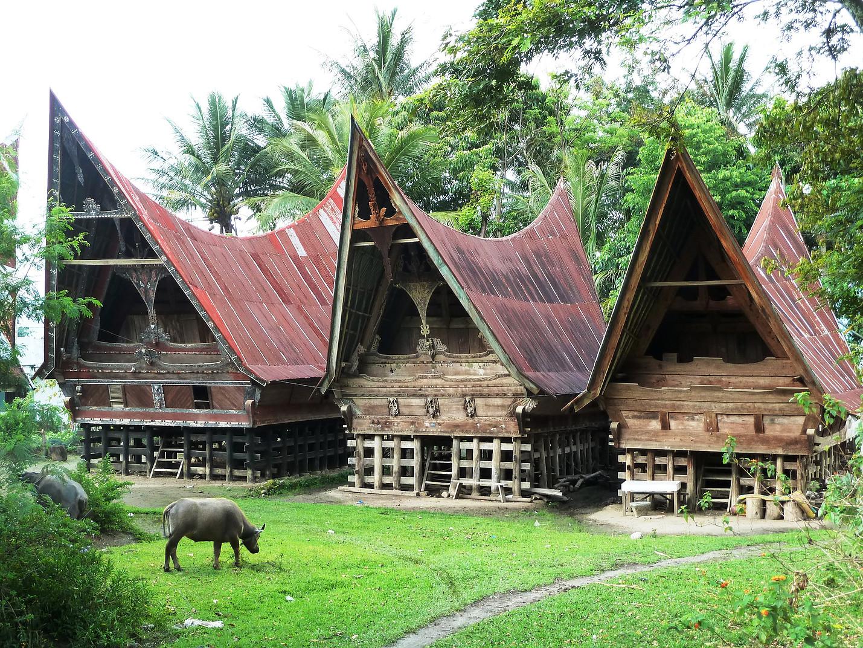 Voyage vélo Indonésie, Voyages d'Ailleurs, rumah Betang, Samosir, pays batak, Sumatra, Indonésie
